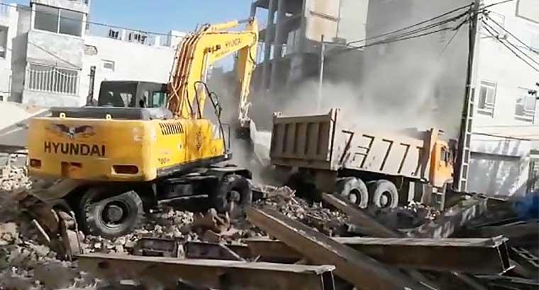 تخریب و خاکبرداری در مشهد